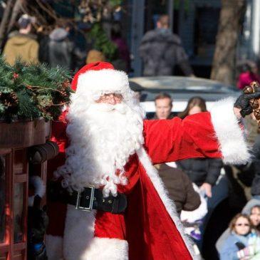 Santa Sightings Downtown!